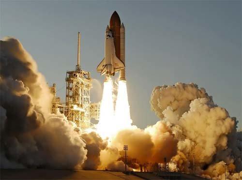 14 Стартовал шаттл Atlantis с семью астронавтами на борту