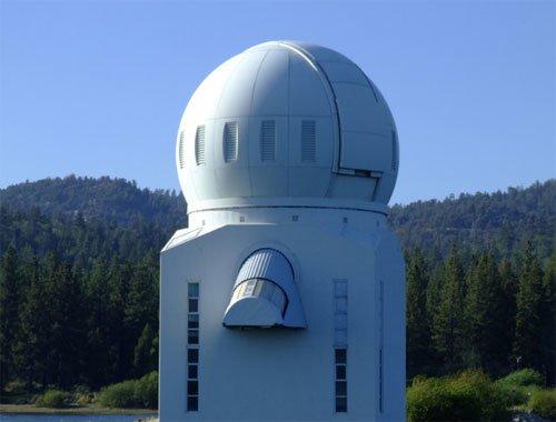 12 В Калифорнии установили самый большой солнечный телескоп