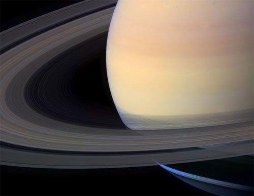 18 На спутнике Сатурна отыскали скрытый океан