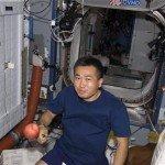 Японский астронавт в течение двух месяцев проводил испытания высокотехнологичных трусов