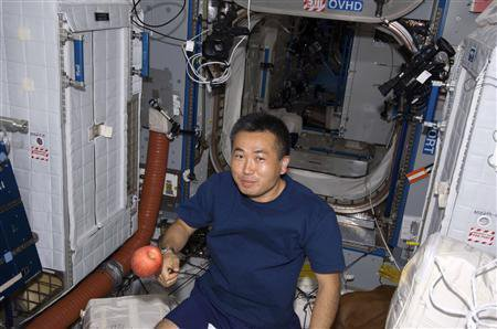 113 Японский астронавт в течение двух месяцев проводил испытания высокотехнологичных трусов