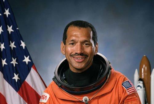 81 У НАСА новый руководитель - Чарльз Болден