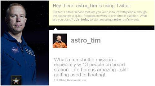 61 Астронавт ведет блог на Твиттере с борта МКС