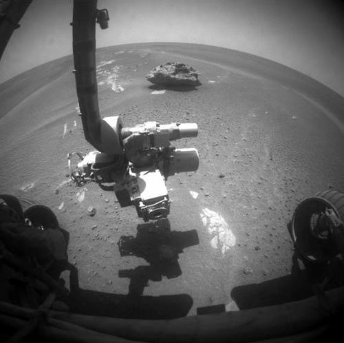 9 Opportunity нашел на Марсе метеорит