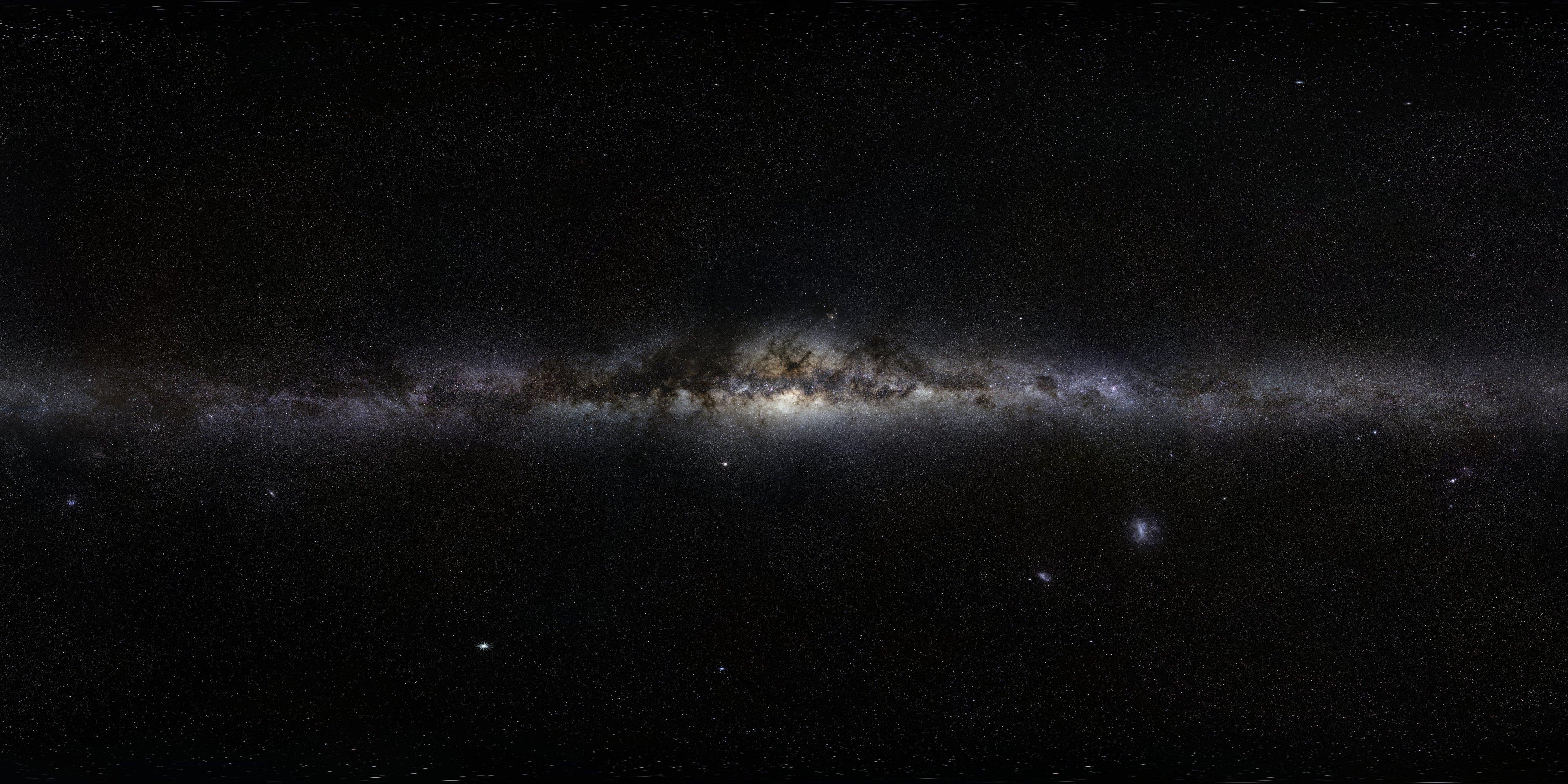 12 Астрономы показали фотографии неба в высоком разрешении