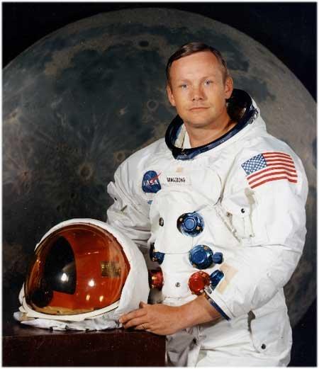 67 Нилу Армстронгу отказывают в звании ученого