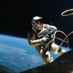 Астронавты второй раз вышли в открытый космос