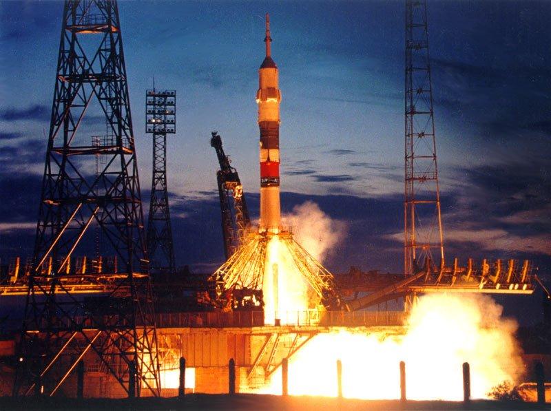 ba Космический грузовик Прогресс состыкуется с МКС