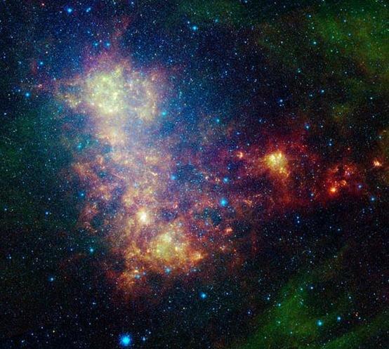 v1 Астрономы опубликовали новые фото Малого Магелланова Облака