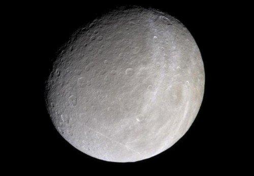 saturn-500x346 Луна Сатурна может быть пригодной для жизни