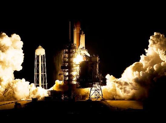 space_shuttle_endeavour_start01 Индевор возвращается