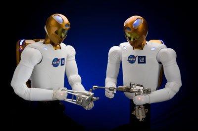 "R2-Dual-Space-Tools Команде шаттла ""Дискавери"" будет помогать робот"