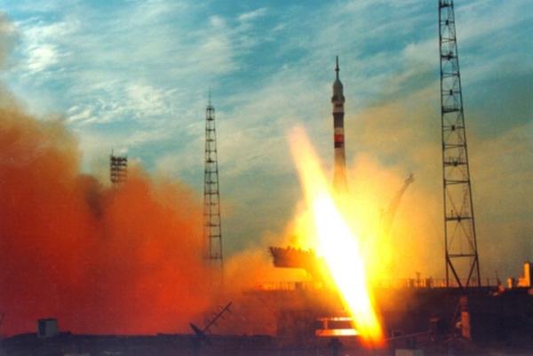 запуск-космической-ракеты К Венере улетел первый японский спутник