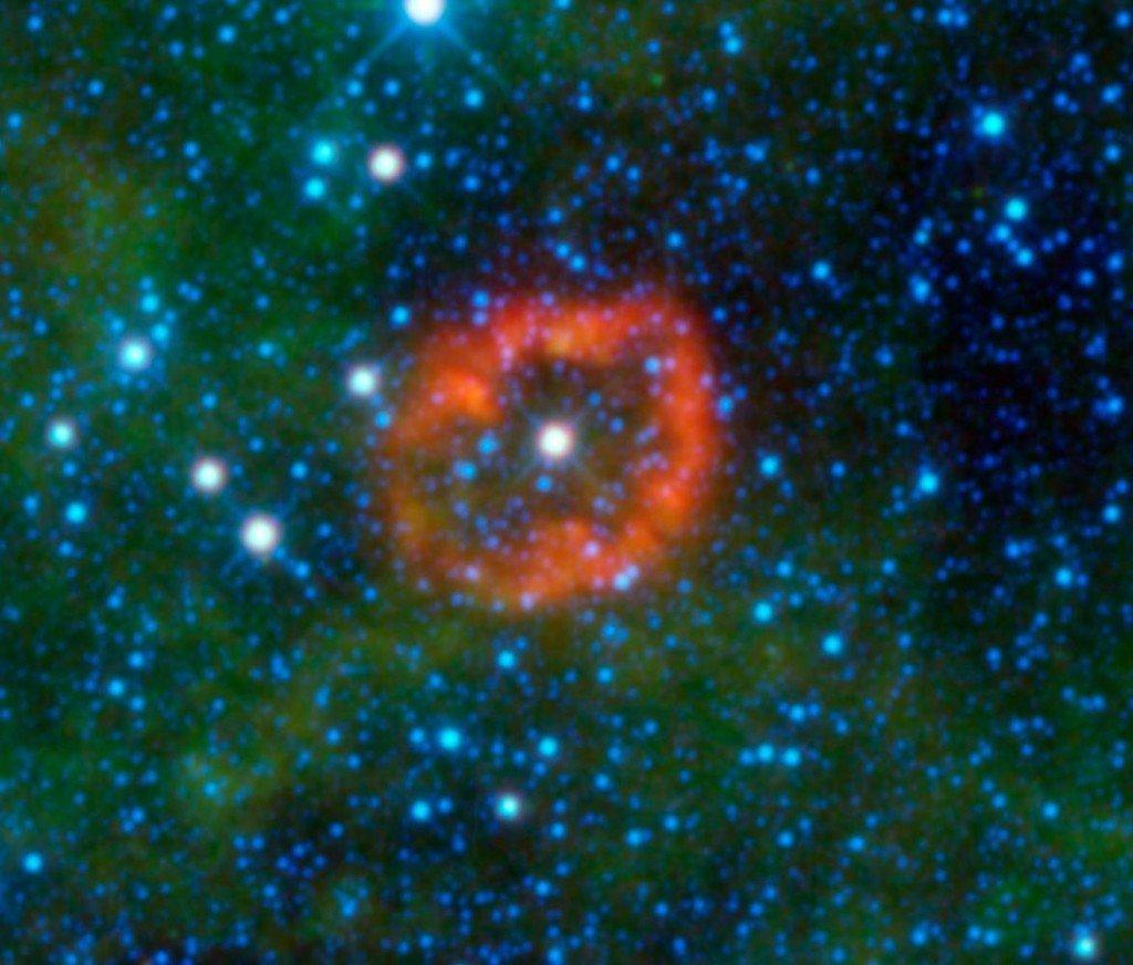 PIA1311612-1024x872 Найдена необычная звезда со светимостью, в 1 млн. раз превышающей светимость Солнца