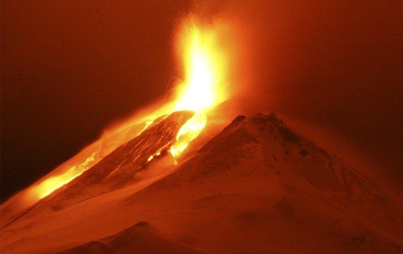 0_192b4_95132fb4_XL Теперь можно отслеживать вулканическую активность на других планетах