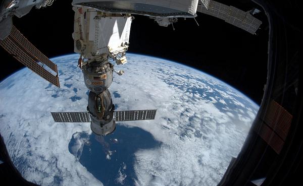 Союз-и-Галапогосские-острова Планета Земля под прицелом объектива астронавта-фотохудожника