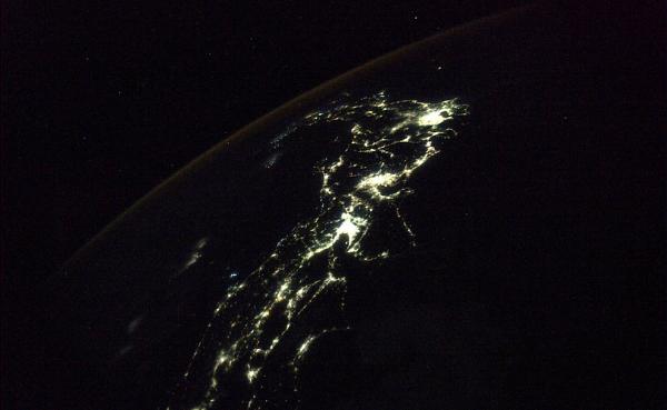 Япония Планета Земля под прицелом объектива астронавта-фотохудожника