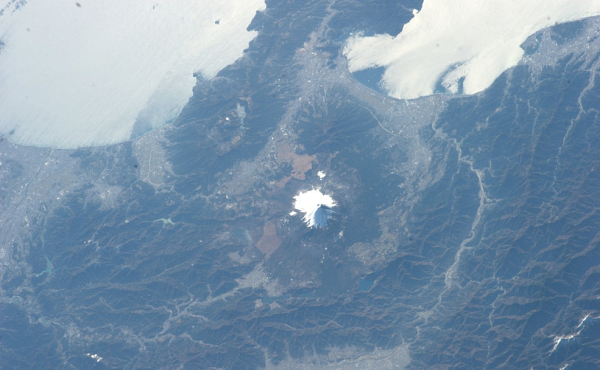 гора-Фудзи Планета Земля под прицелом объектива астронавта-фотохудожника