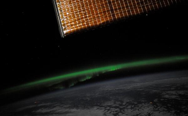 северное-сияние Планета Земля под прицелом объектива астронавта-фотохудожника