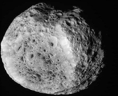 cassiniclose «Кассини» передал новые снимки Гипериона