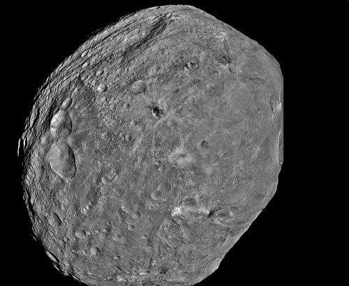 vesta_hq Dawn получил высококачественные фотографии поверхности Весты