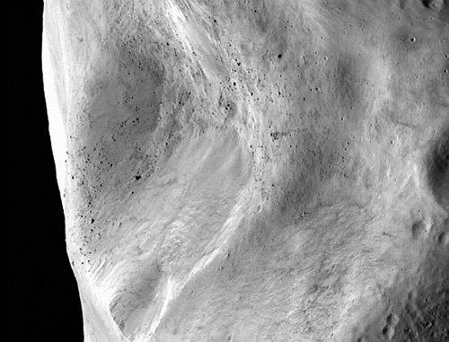 crater_cluster_3_H Астероид Лютеция отрывает свои тайны