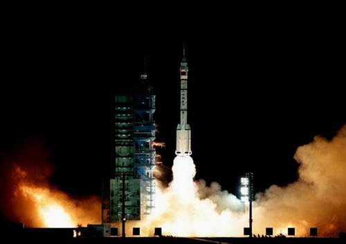 1320099576013_1320099576013_r Китай создал способный к стыковке беспилотный космический корабль