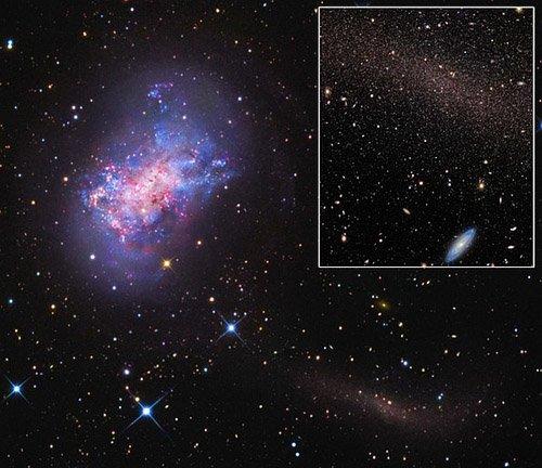 zoom Найдена маленькая галактика, поглощающая свою компаньонку