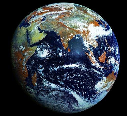 j+20 Зонд «Электро-Л» сфотографировал Землю с большим разрешением