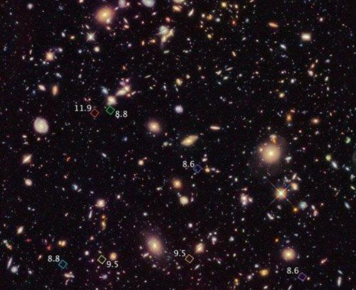 2-11 «Хаббл» нашёл галактику, которой исполнилось 13,4 миллиардов лет
