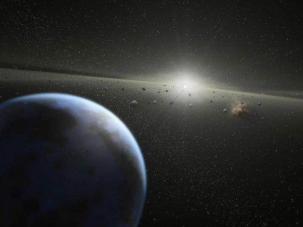 Крупный астероид разминулся с Землёй