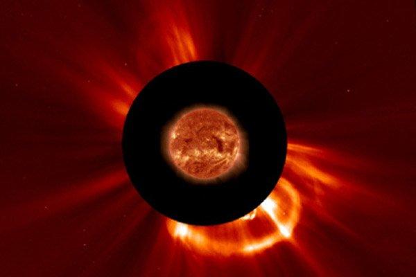 Солнце выбросило в сторону Земли струю плазмы