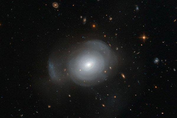 Получены фотографии галактики-розы