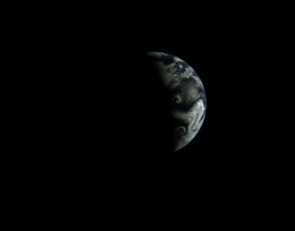 «Чанъэ-3» сфотографировал Землю