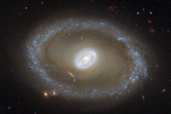 НАСА опубликовала снимок сейфертовской галактики