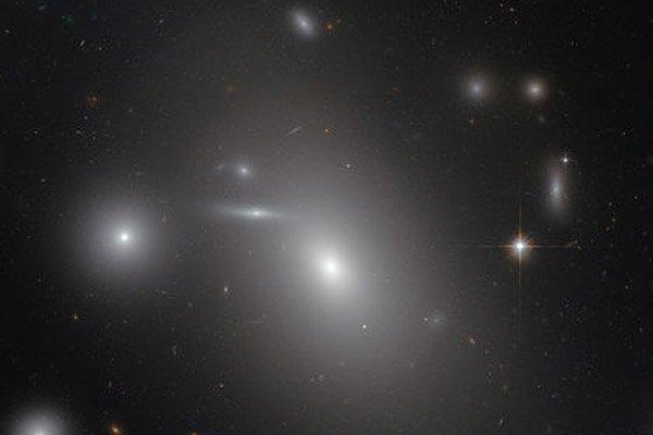 «Хаббл» измерил диаметр черной дыры расположенной в Волосах Вероники